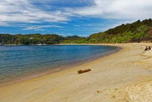 Golden sands of New Zealand's Abel Tasman National Park
