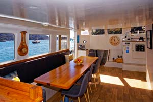 Floating backpackers and private accommodation in the Abel Tasman